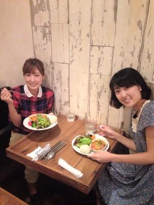 近江友里恵アナウンサーの食事風景